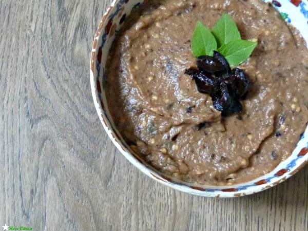 recette de caviar d'aubergine aux olives noire vegan
