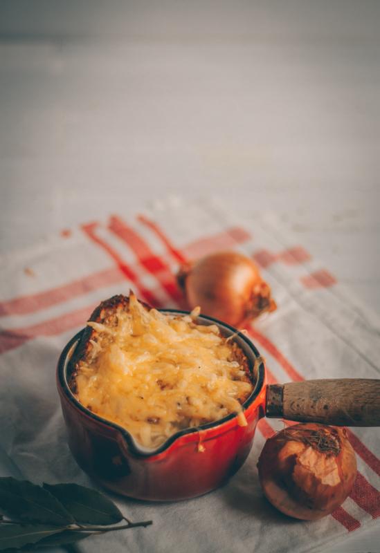 recette de soupe à l'oignon végane